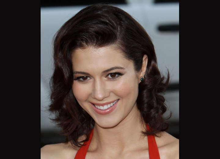 Retro look with rolled hair - Mary Elizabeth Winstead