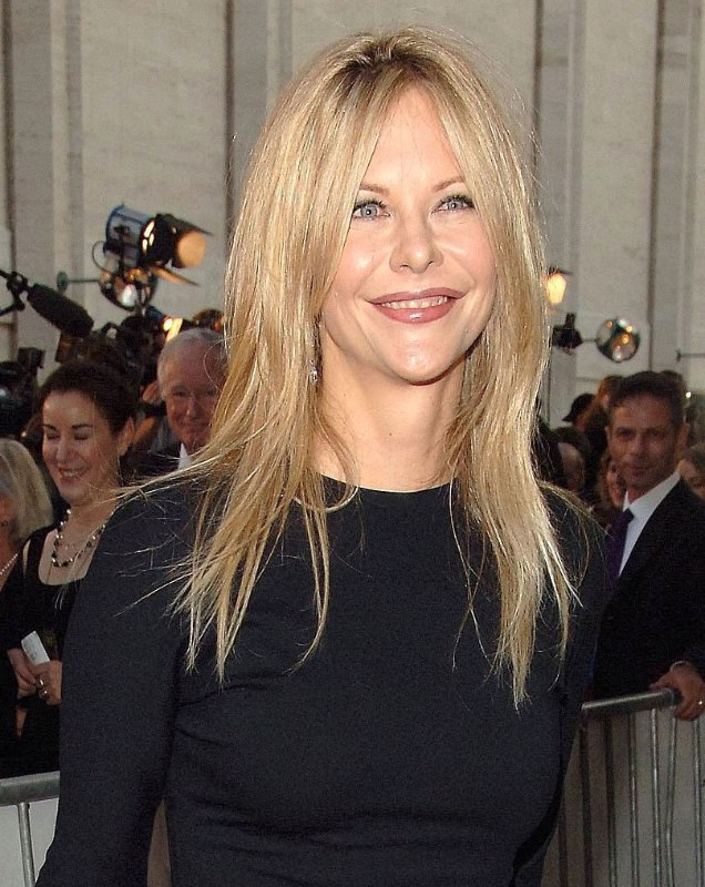 Meg Ryan S Tapered And Texturized Long Hair