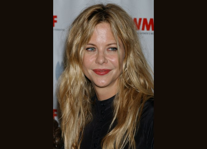 Meg Ryan's long hair with crunching