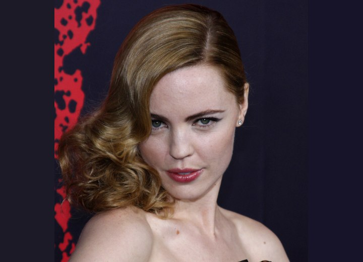 Melissa George - Retro hairstyle with curls