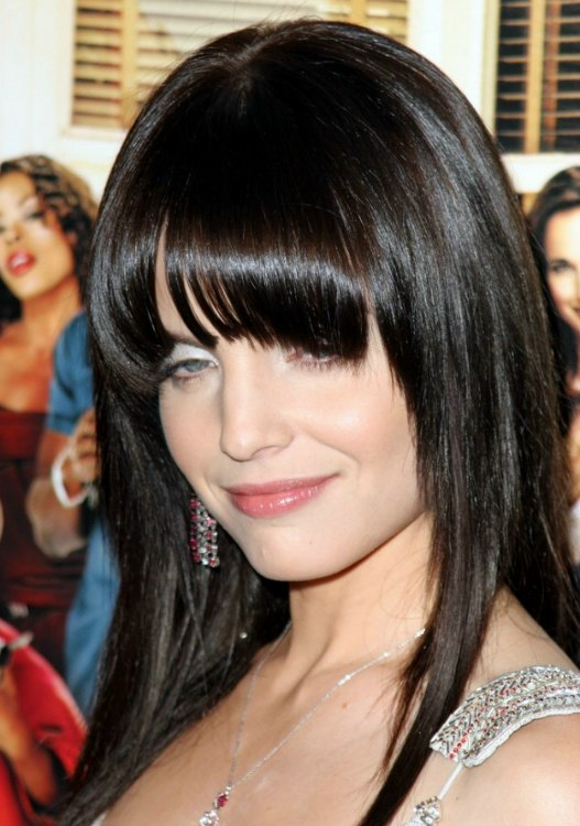 Mena Suvari S Sleek And Face Framing Long Black Hair With