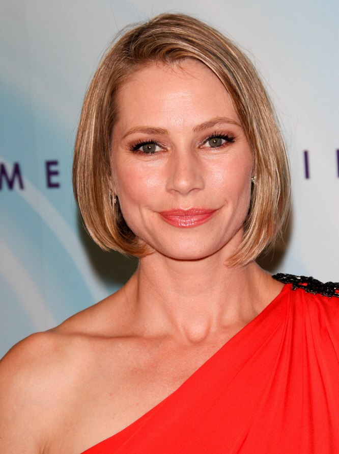 Meredith Monroe S Hair In A Short And Dressy Bob