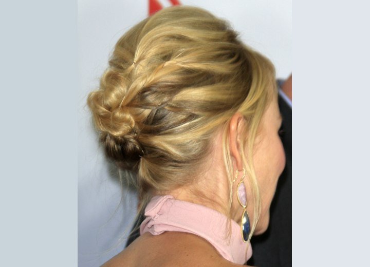 Naomi Watts hait in an updo - Back view