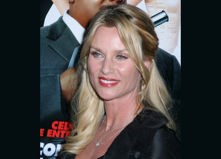 Simple hairstyle for long hair - Nicollette Sheridan