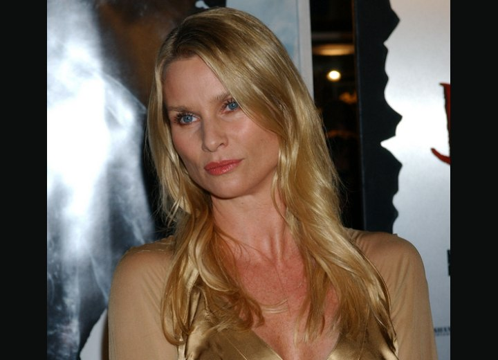 Long hair with waves - Nicollette Sheridan