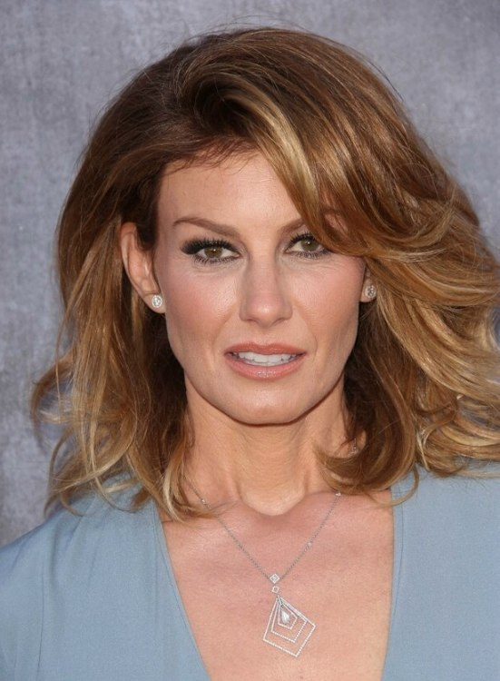 Faith Hill Voluminous Medium Length Hairstyle With An