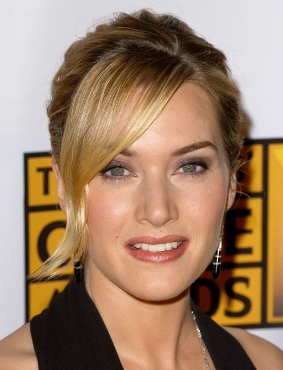 Kate Winslet Wearing Her Hair Up In A French Twist