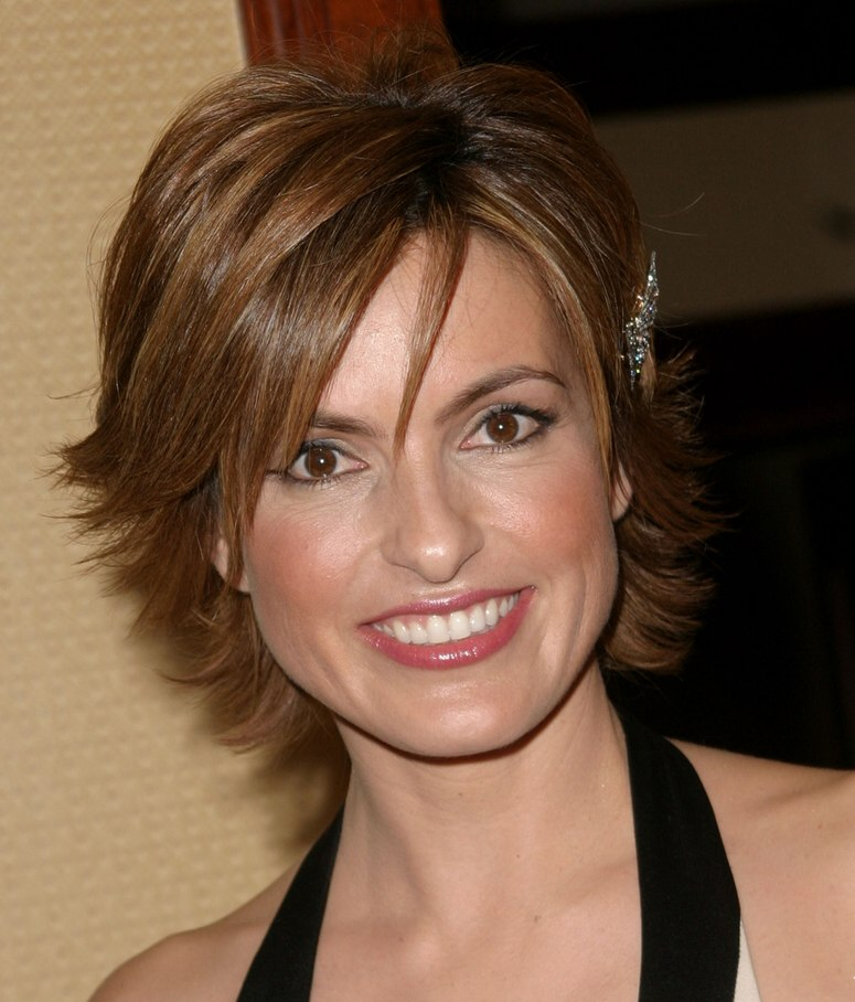 Mariska Hargitay Wearing Her Hair Short With A Longer Neck