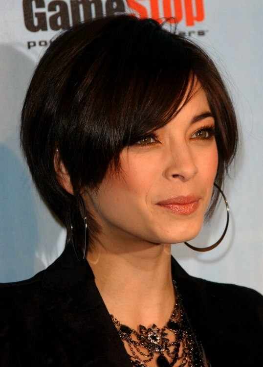 Kristin Kreuk S New Short Haircut And Lisa Rinna Looking