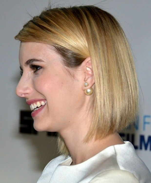 emma roberts | long sleek bob with rounded layers and beveled ends