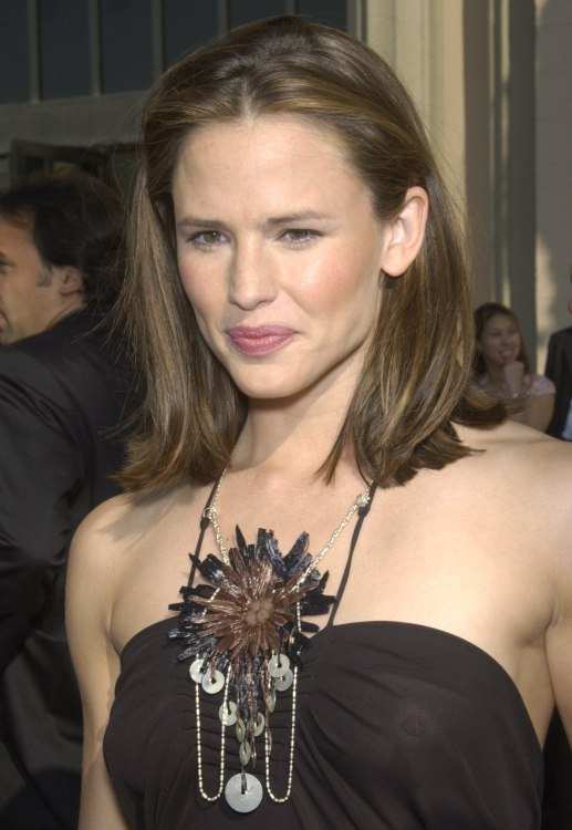 Jennifer Garner S Easy To Take Care Of Shoulder Long Hairstyle
