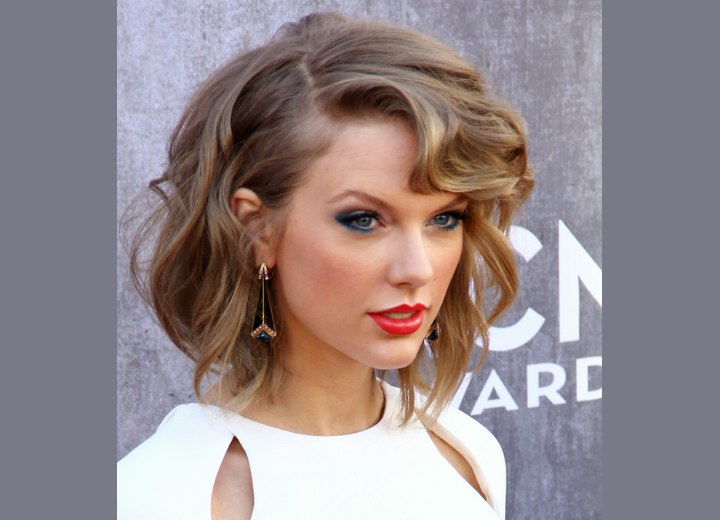 Taylor Swift with shorter hair