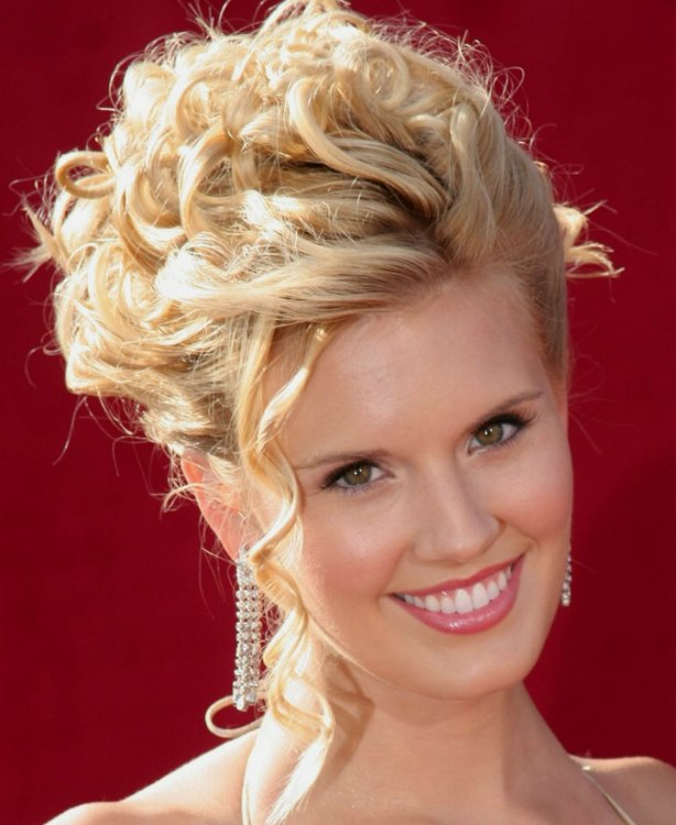 Pictures Of Spiral Curls Updo Hairstyles 19