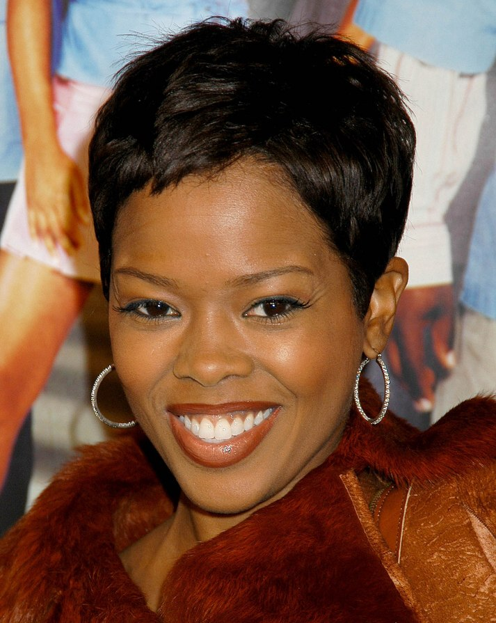 very short black hair styles malinda williams wearing hair in a shag cut and 3194 | very short black hair