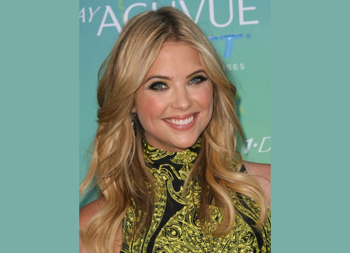 Ashley Benson Long Curled Dark Blonde Hair With Highlights