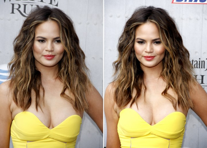 Chrissy Teigen wearing her hair long and messy