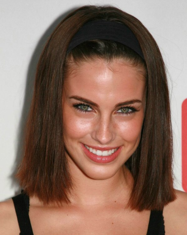 Jessica Lowndes Straightened Hair Pulled Back And Styled