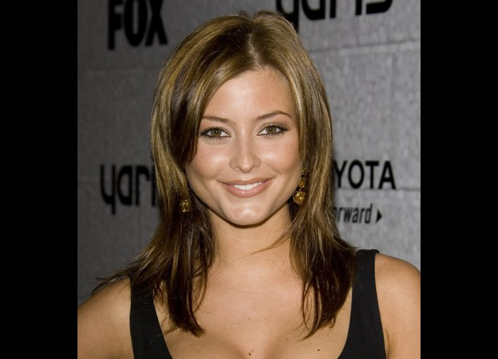 Holly Valance's golden brown hair color