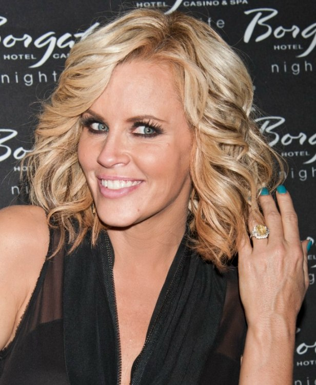 Jenny Mccarthy Thick And Full Shoulder Length Hairstyle With Curls