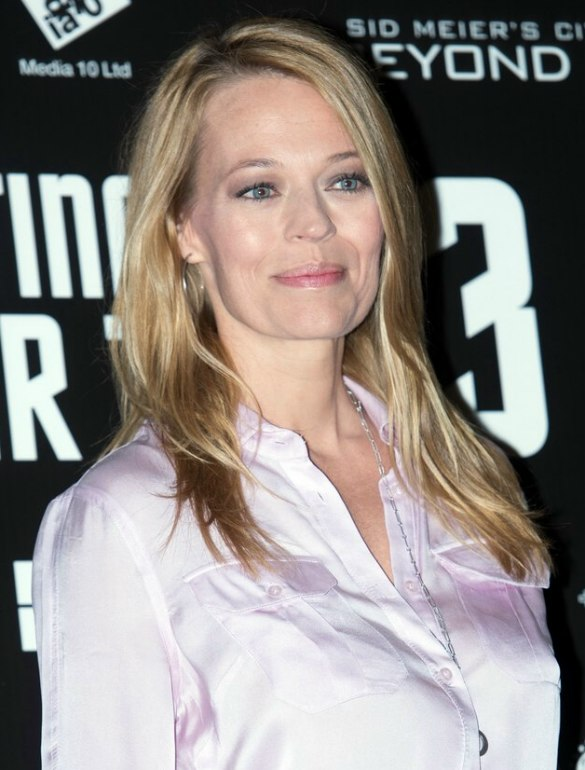 Jeri Ryan Wearing A Long Fair Colored Hairstyle After The
