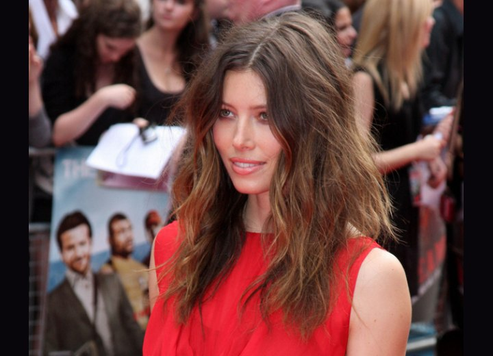 Jessica Biel's long hairstyle with messy waves