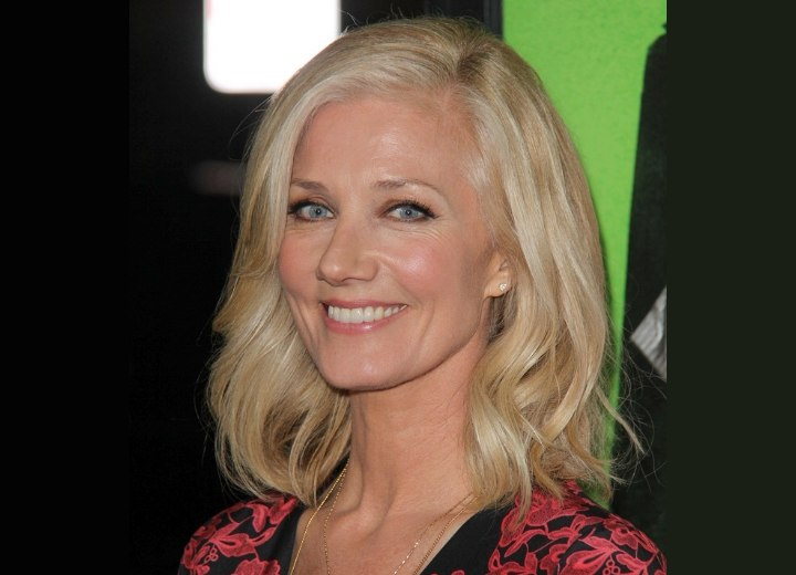 Joely Richardson - Easy hairstyle with relaxed curls