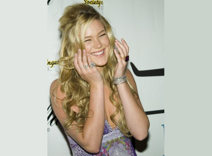 Joss Stone's long hair with messy styling