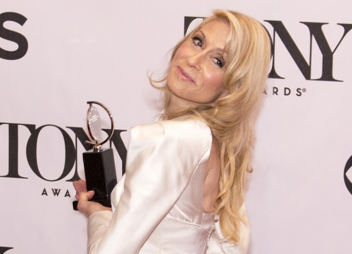 Judith Light wearing her hair long with extensions