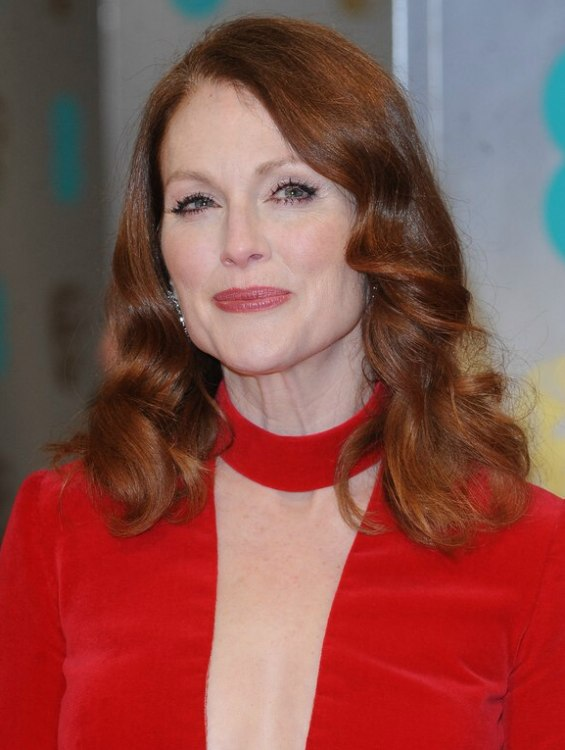 50 Plus Julianne Moore How To Rock Both Red Hair And A