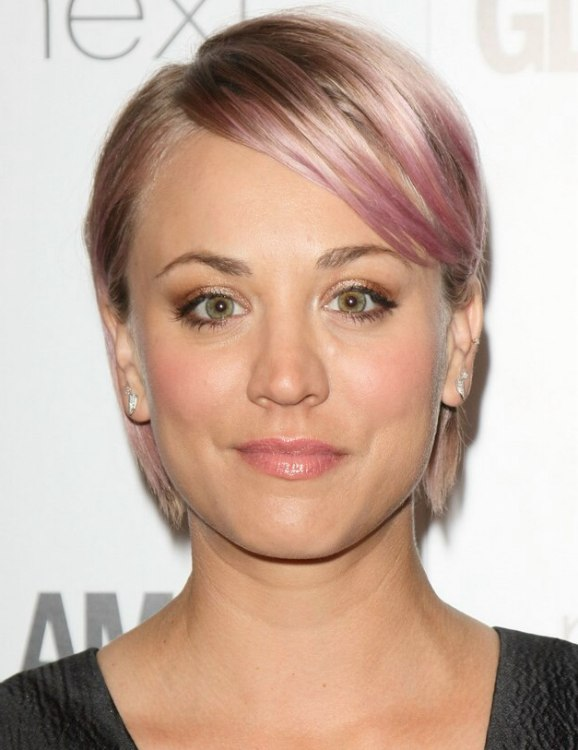 Kaley Cuoco With Short Pink Hair