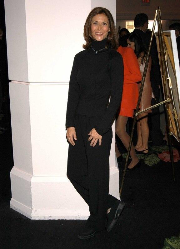 Kate Jackson Elegant Hairstyle For 50 Women