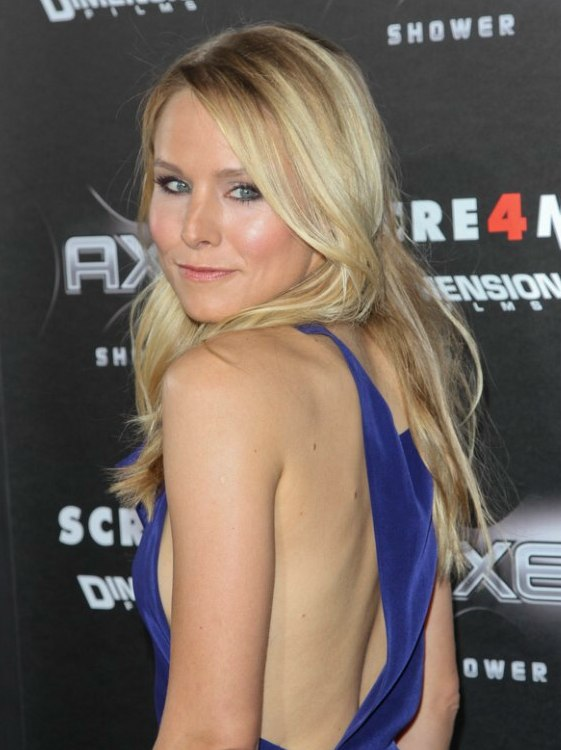 Kristen Bell Bust Line Length Loose Blonde Hair With A Beachy Texture