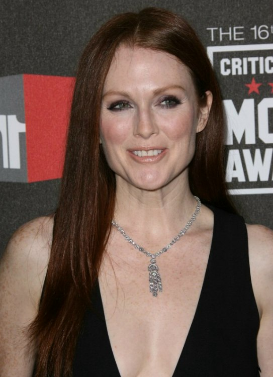 Julianne Moore Wearing Her Red Hair Long And Sleek With