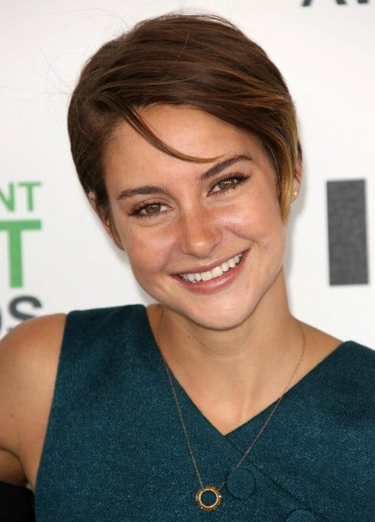 Shailene Woodley With Her Hair In A Low Maintenance And