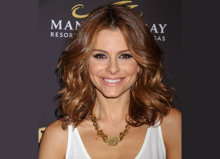 Maria Menounos with lightened brown hair