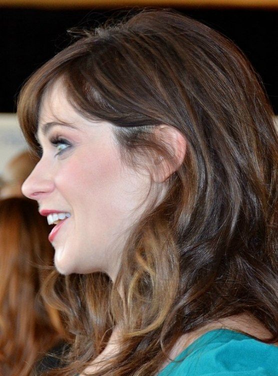 Zooey Deschanel S Long Curled Hair With A Retro Feel
