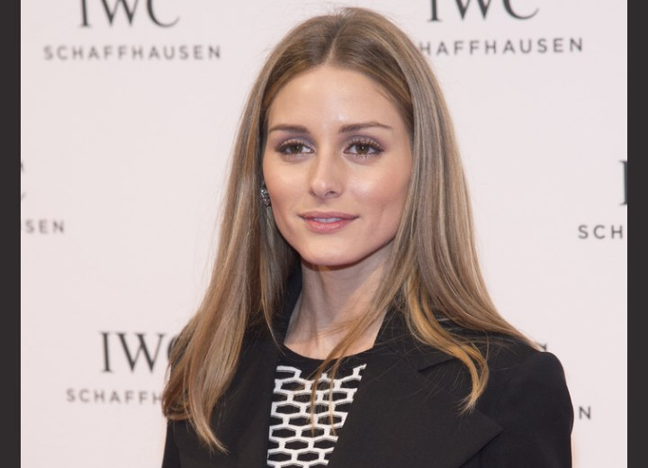 Olivia Palermo's simple and versatile hairstyle