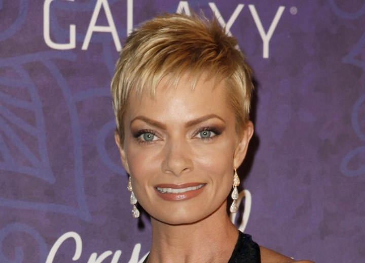 Jaime Pressly With Her Hair In A Pixie With Short Wispy Bangs