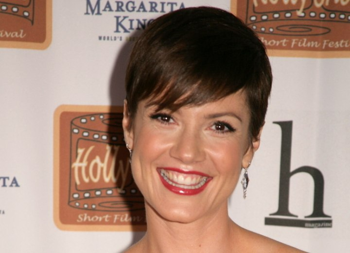 Strange Zoe Mclellan Classy Pixie With Combed Over Top Hair Short Hairstyles Gunalazisus