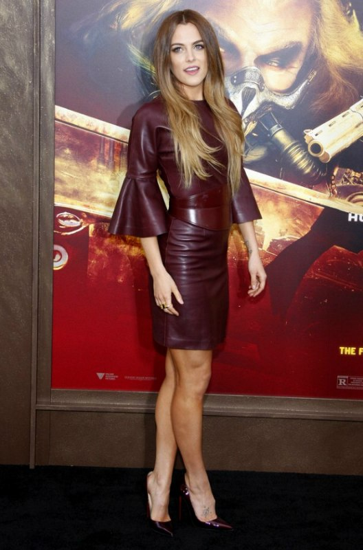 Riley Keough Soft Hairstyle For Long Ombre Hair