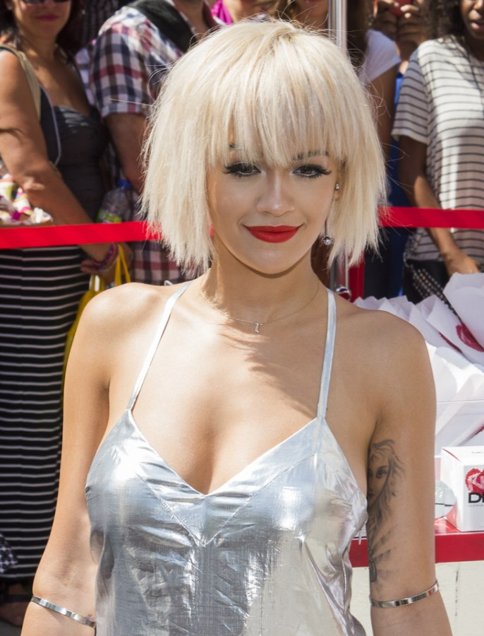 Rita Ora Platinum Blonde Hair In A Short Bob With Bangs