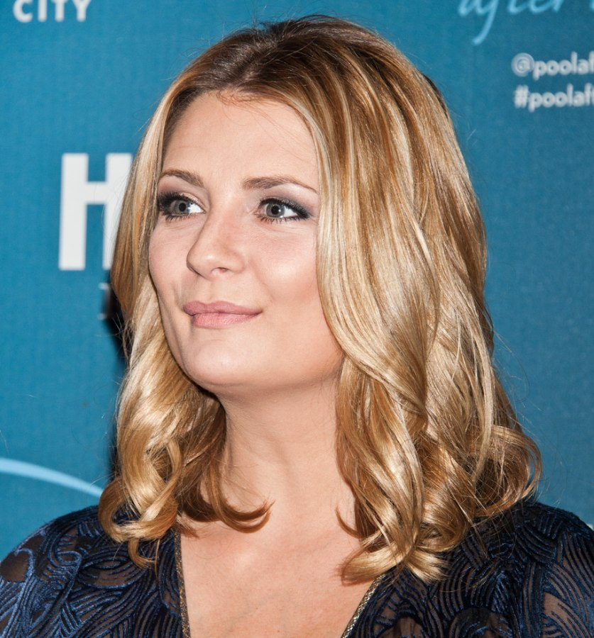 mischa barton practical shoulderlength hairstyle with