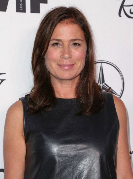 Maura Tierney Youthful Hairstyle For Women Over 50