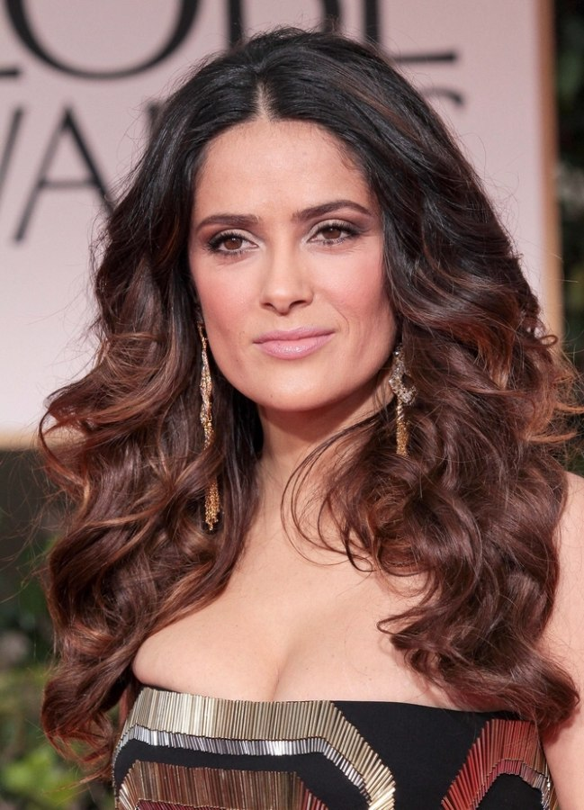 Salma Hayek Simple Long Hairstyle With Curls And A