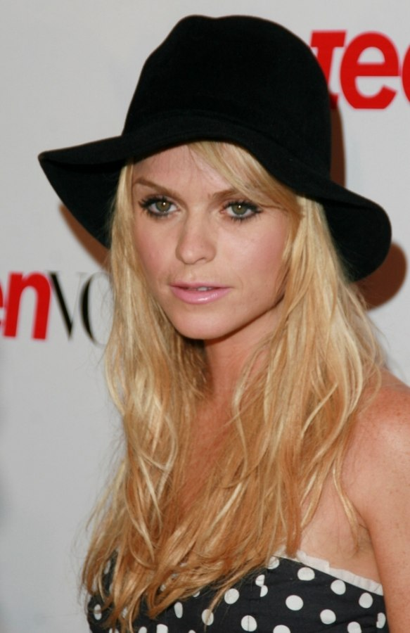 Taryn Manning With Long Hair And Wearing A Fedora Hat