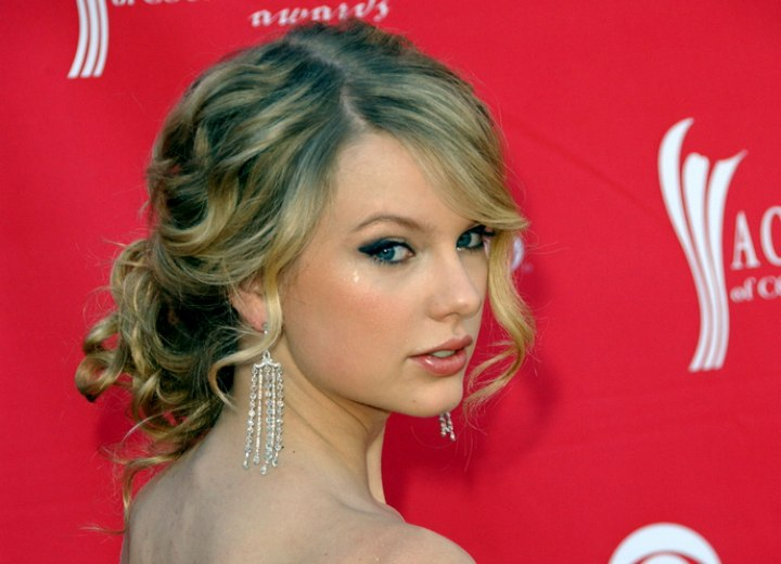 Taylor Swift With Her Hair Up