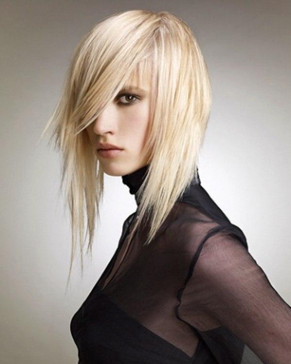 smooth medium hairstyle with razor texturing