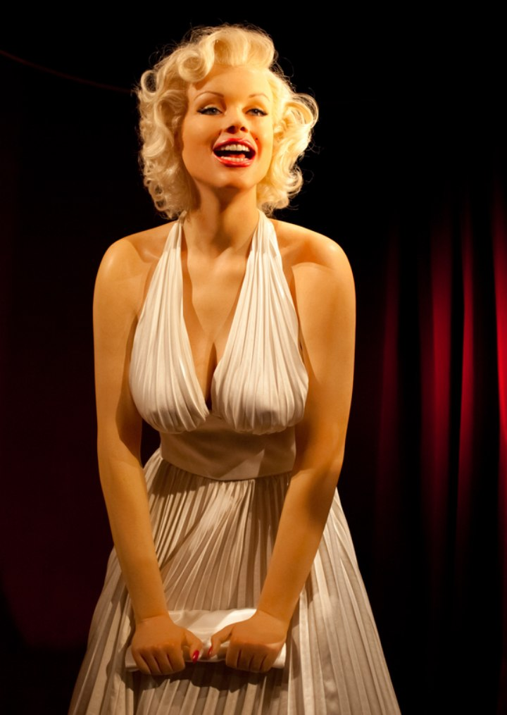 Marilyn Monroe Hair Rollers   Black Hairstyle and Haircuts