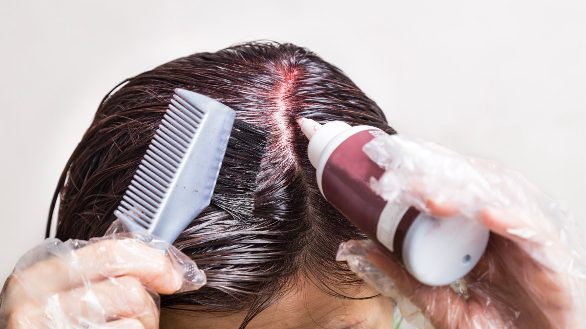 Clean hair before applying semi-permanent dyes and how it