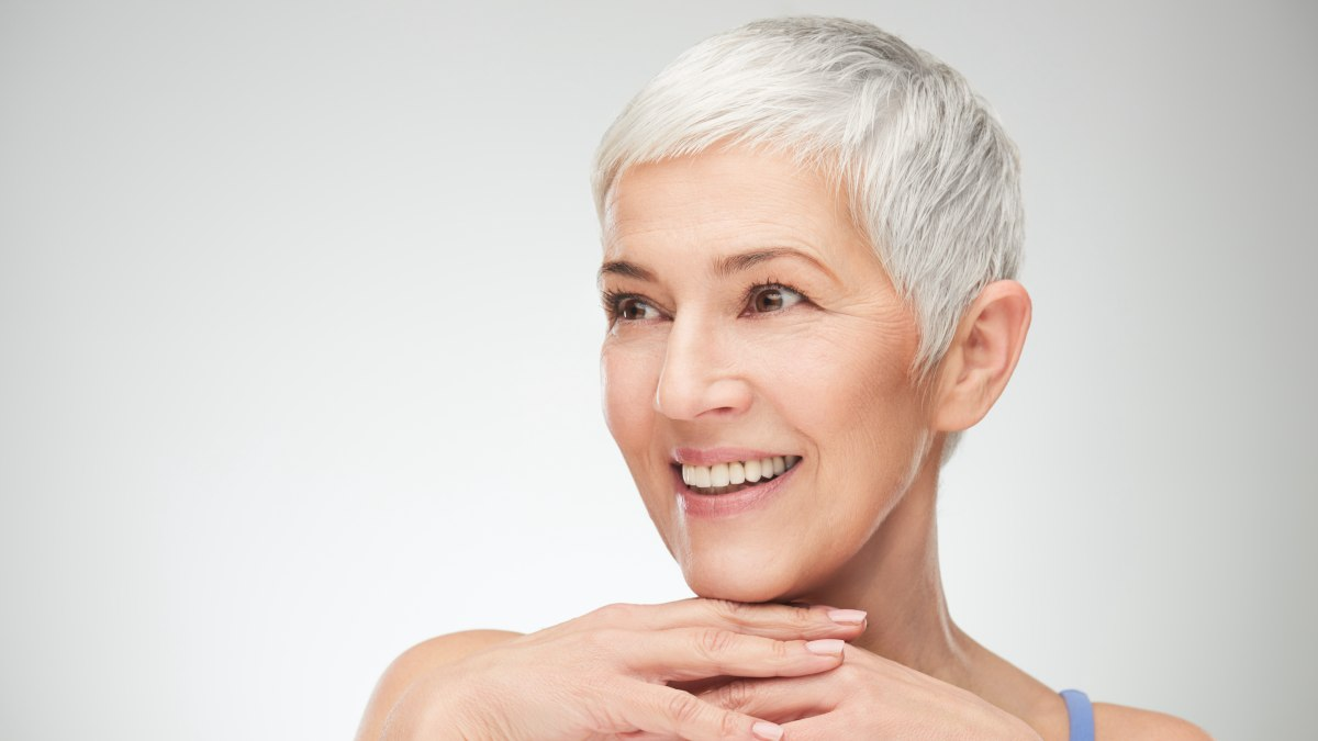 How To Wear Short Gray Hair Without Appearing Old